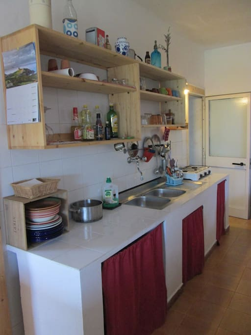 cucina accessoriata