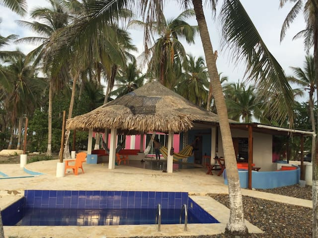 Beach cabin with unspoiled 100% private beach - Cartagena