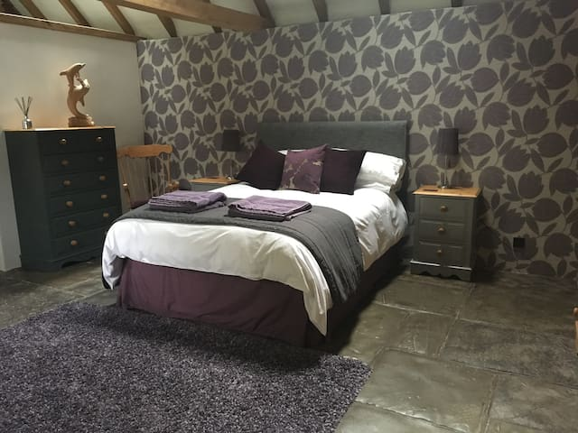 Two spacious double rooms in converted Barn - East Sussex - Rumah