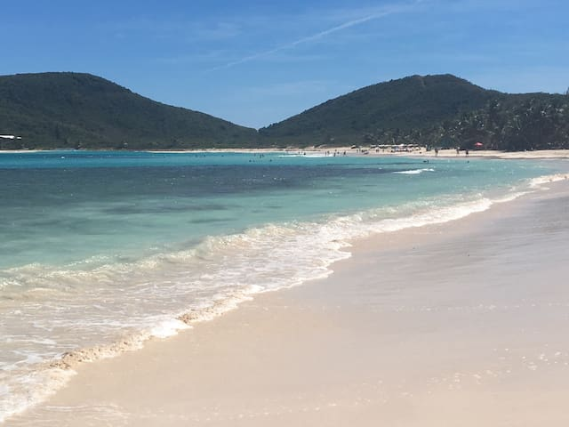 Flamenco beach is 5 min drive away from Seagrapes