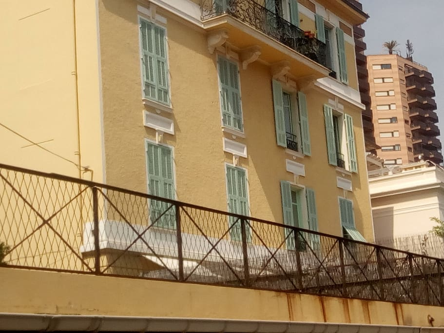 Villa Soror, 2 avenue Delphine - Beausoleil, it's 100 meters from Boulevard d'Italy /Monte Carlo Opposite there is an elevator which gets you to Forum Grimaldi and the beach