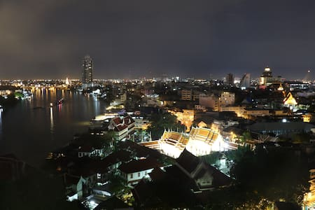 Room with river view*10 mins to China town and MRT