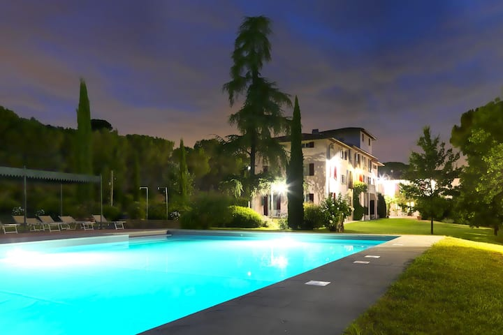 Garden-View Farmhouse in Certaldo with Swimming Pool
