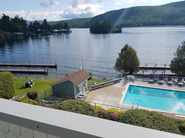 Spectacular direct waterfront & views.  Location!!