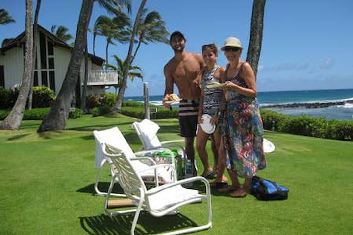 Poipu Beach-2BR,2BA-FREE WIFI, Tennis, Fitness Ctr
