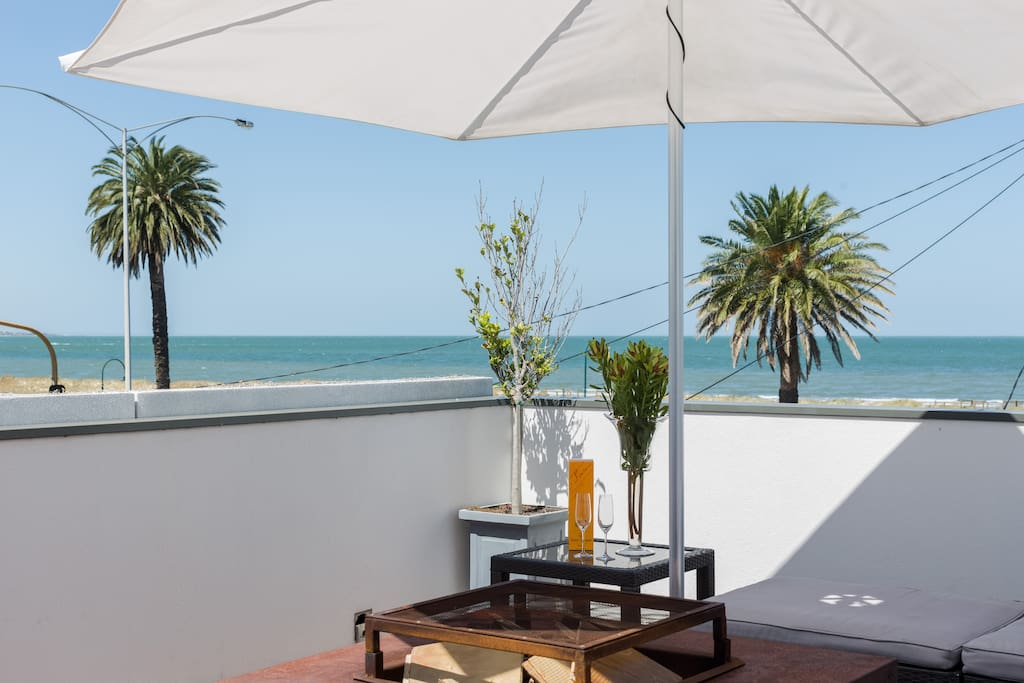 The beach retreat summer sale 30 houses for rent in - Large summer houses energizing retreat ...