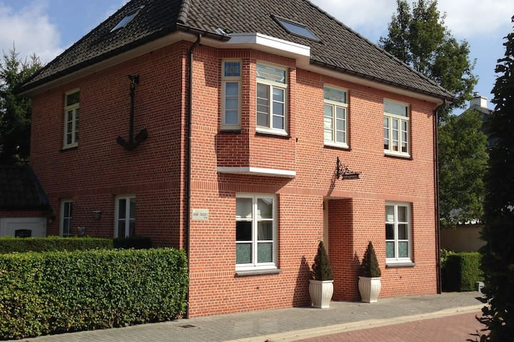 Spacious Villa in Neerpelt near Welvaart Marina