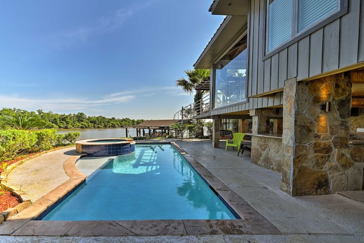 Luxury Home w/ Pool on San Jacinto Riverfront!