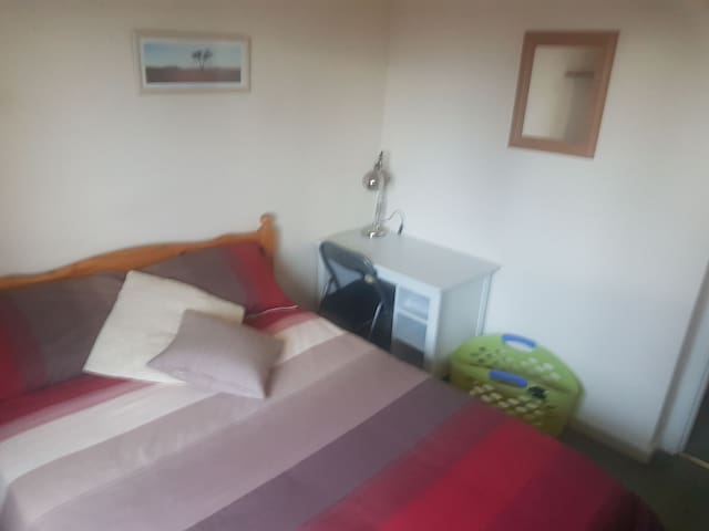 Double Bedroom near Glasgow Airport