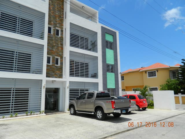 3 Br 2 bath Condo close to beach - La Romana - Daire