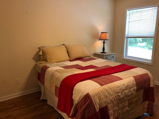 Master Bedroom & Private Bath; Close to Everything