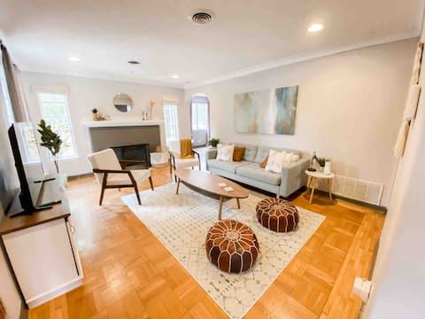 Historic *LUXURY* Home Just Blocks From The Pearl!