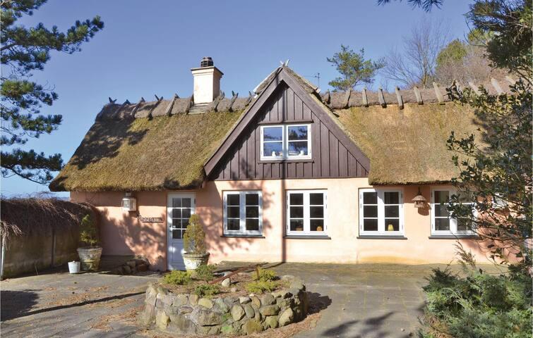 Holiday cottage with 3 bedrooms on 130m² in Frederiksværk