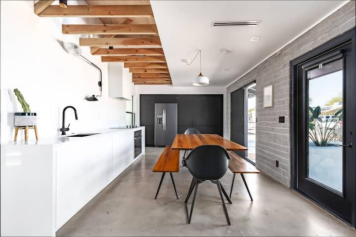 THAT HOUSE   /  2BD- 1BA near Old Town Scottsdale