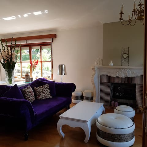 Bedroom in  a villa with garden close to Brussels
