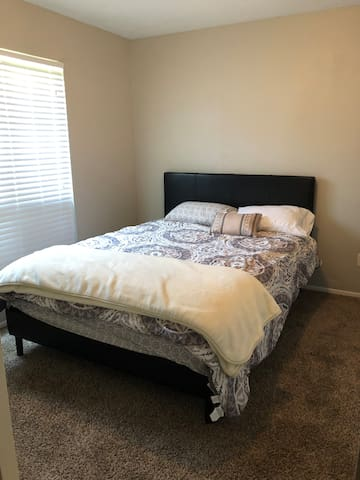 Calm and cozy two bedroom*great for kids