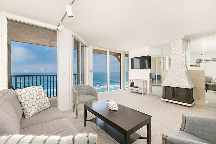 Ocean Front Condo With Stunning Whitewater Views