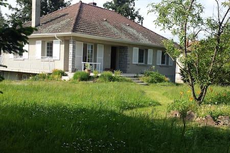 maison individuelle 3 ch  6 personnes Forez - Nervieux - Ev