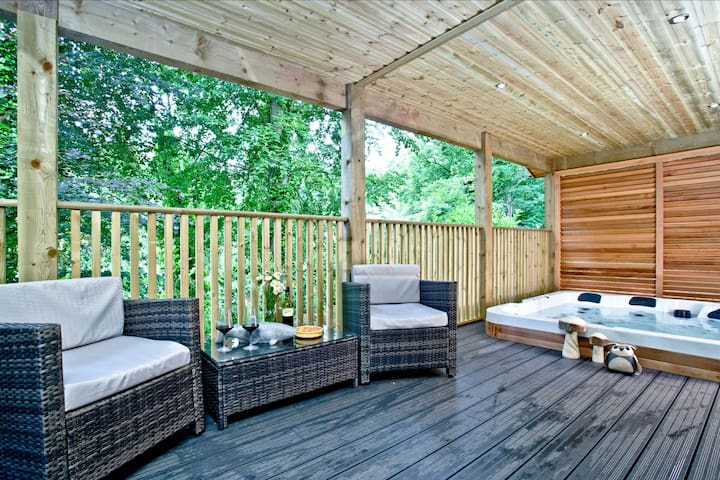 Oak Lodge, South View Lodges, Exeter