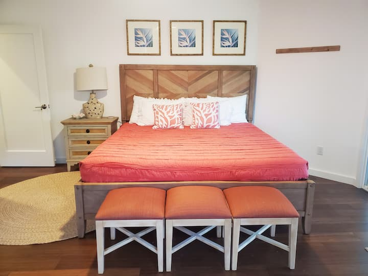 New private  master suite 1-bed+bath LUXURY beach