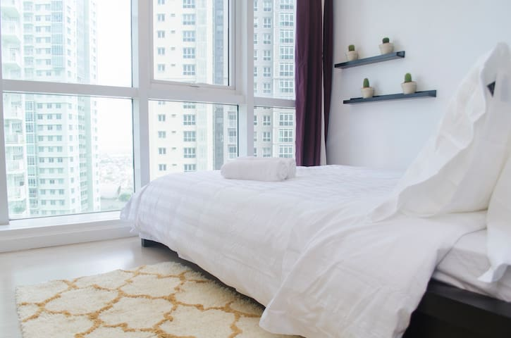 Indigo BGC Chic Studio Apartment @ SOMA