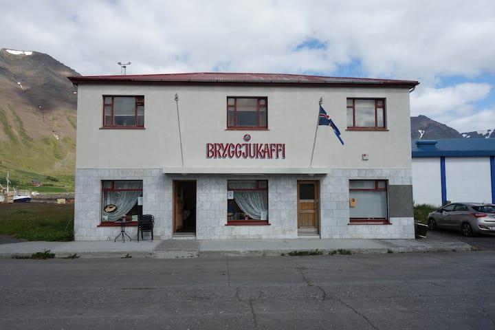 Bryggjukaffi Hostel / harbour rooms (room #1)
