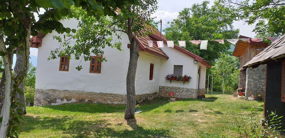Etno guest house Lalovic