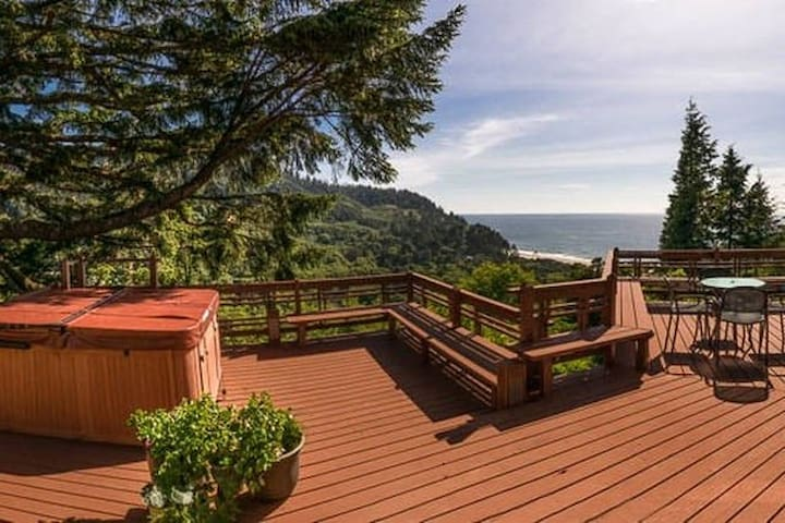 Library Suite--Ocean & Forest Views (1 of 2 rooms) - Neskowin - Casa