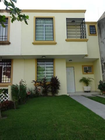 Vive Cerca del Mar y NuevoVallarta / Room With A/C - Puerto Vallarta - Huis