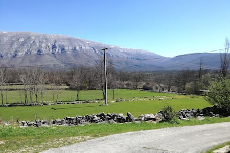 Country vacation house-2 bedrooms-BBQ - Vrlika