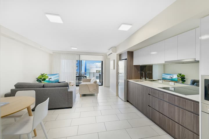 Only steps to Mooloolaba beach and attractions