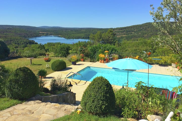 Attractive gite with private swimming pool and vast views across Lac du Verdon