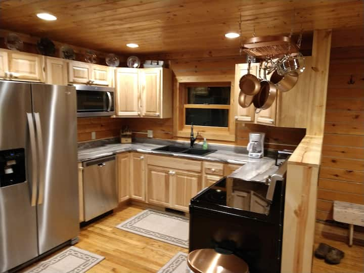 Northern mn log cabin getaway!