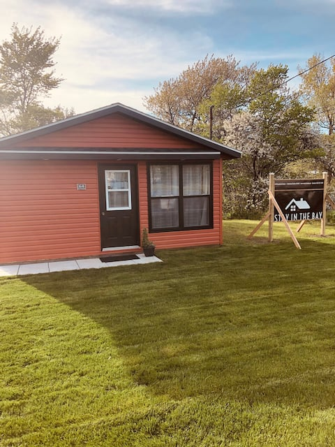 Stay in the Bay - Located by renwick Brook