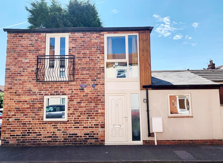 Boutique Detached House in Uphill Lincoln