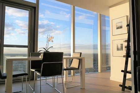 Stylish 2 Bed Apt with Amazing View - Brentford - Lägenhet