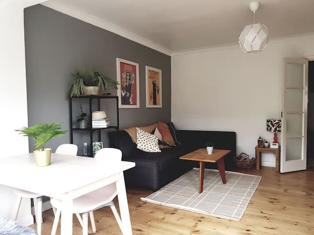 Bright and spacious flat in Seven Dials