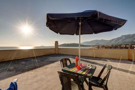 Profumo mediterraneo - Minturno