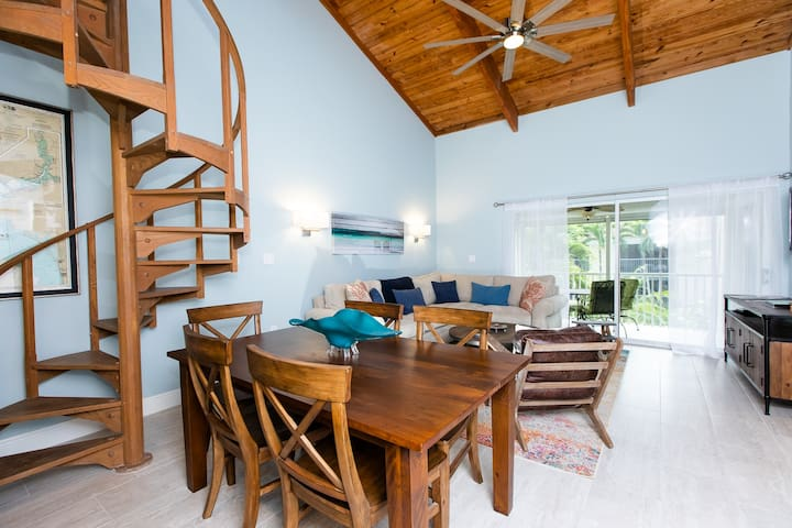 VILLA SANIBEL 3C - NOW ALLOWING 7 NIGHT MINIMUMS! UPDATED CONDO, STEPS TO THE GULF
