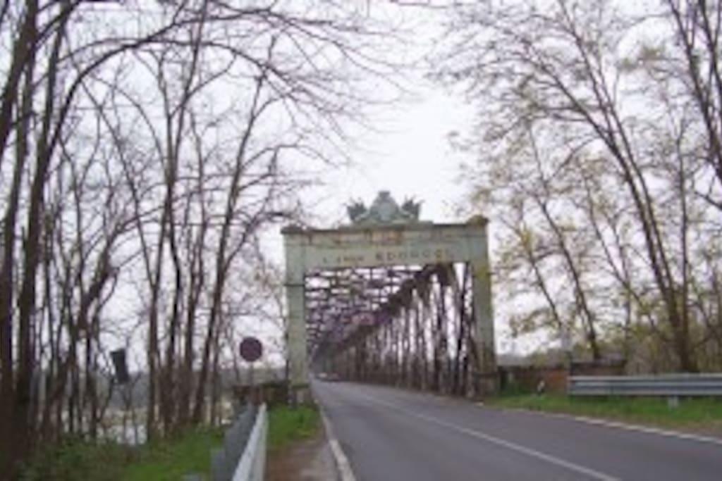ponte della becca ingresso da LINAROLO da riparare!!!