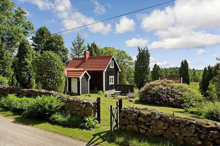 Unique cosy house - countryside - Höör - Cabaña