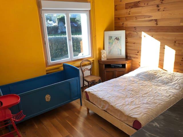 4 chambres dans grande maison familiale au calme