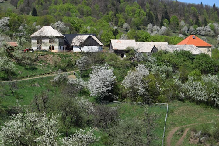 Lovely place for 2 - Zvolen - Chalet