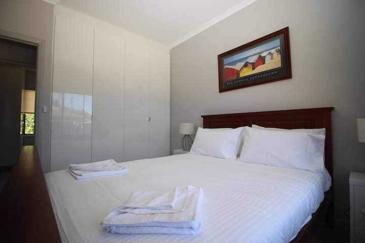 2 Bedroom Cottage across RD RIVER Port Noarlunga - Port Noarlunga