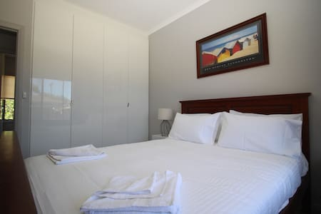 2 Bedroom Cottage across the RIVER Port Noarlunga - Port Noarlunga