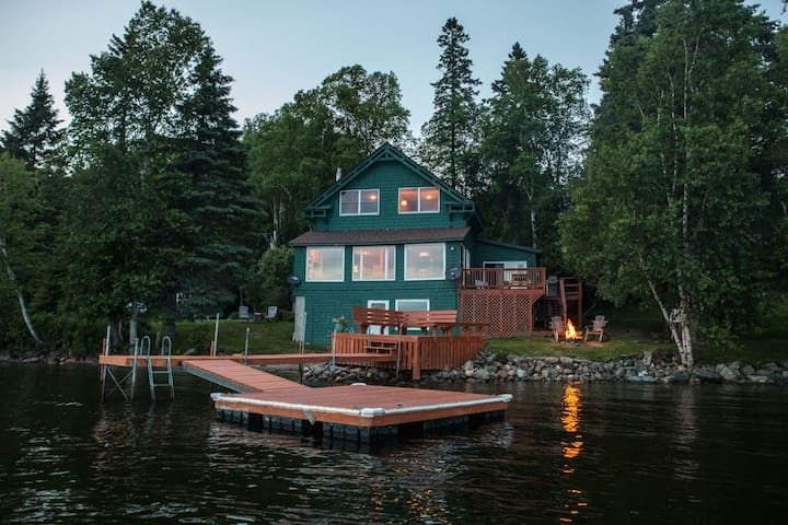 Rangeley Lakeside Lodge - Pets, Boats, Bunkhouse