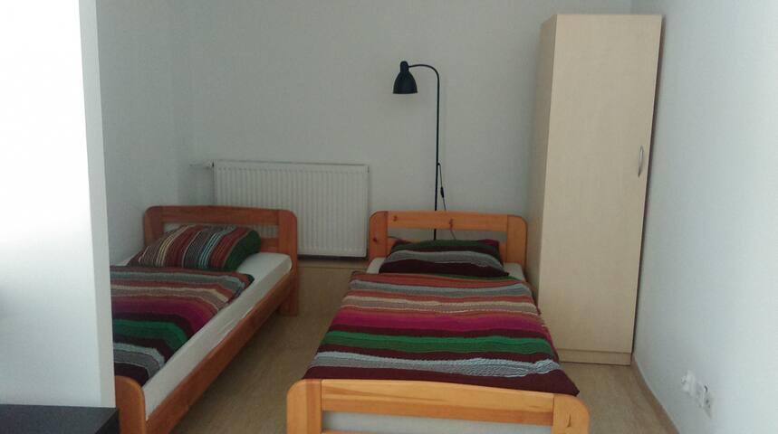 Kwatera E w Dormitorium 0P1 z max.5osob