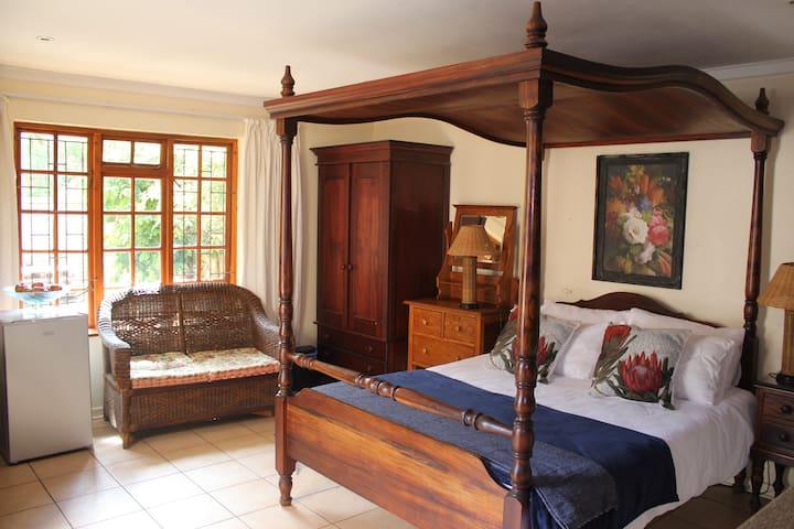 ❣ Peaceful, Convenient Victorian Style apartment