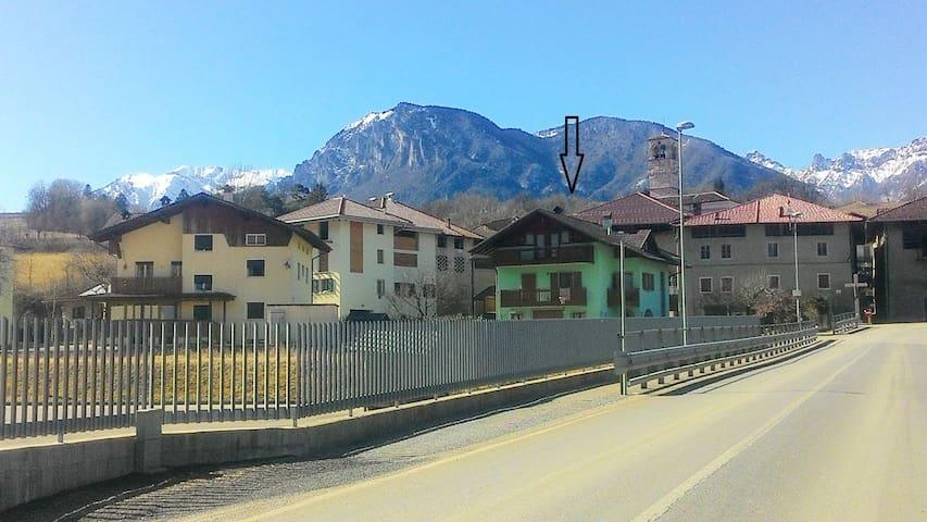 CASANELVERDE a 2 km Terme di Comano - Dasindo - Byt