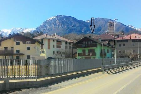 CASANELVERDE a 2 km Terme di Comano - Dasindo - Квартира